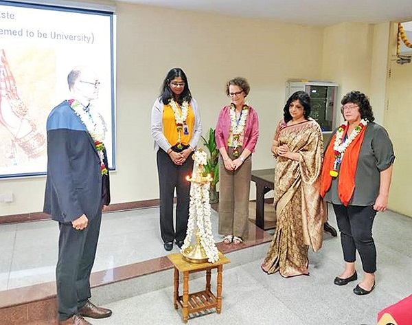 "Opening ceremony at Christ University on the occasion of the visit to the 10-year partnership of the dual continuing education master's course ""Business with Europe between FHWS and Christ University (Photo FHWS / Cornelia Lorenz)"