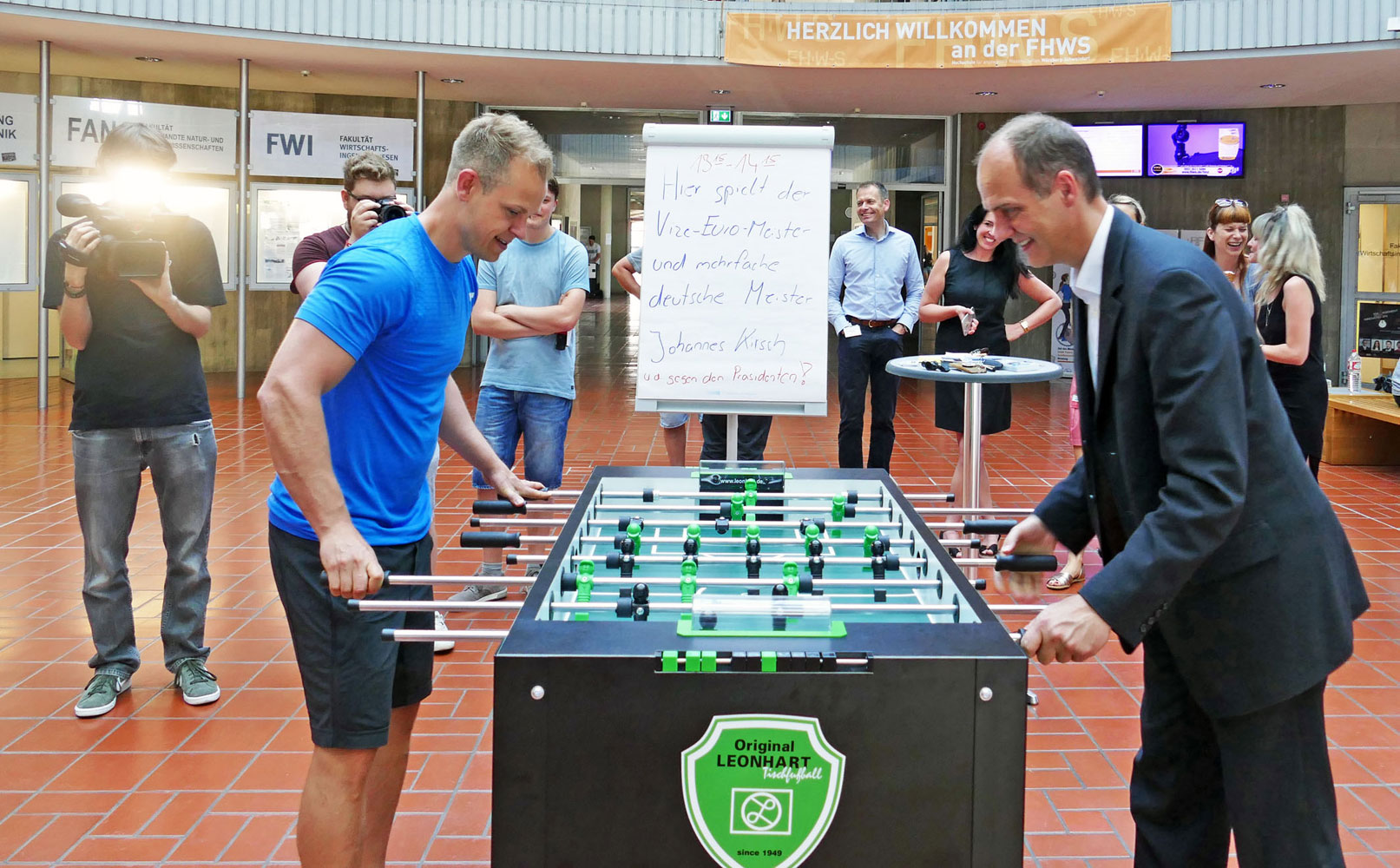 Johannes Kirsch (left), former Vice European Champion in table football, competed against the President of the FHWS, Professor Dr. Robert Grebner.